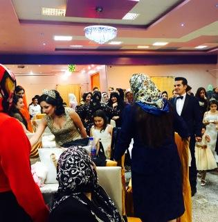 Lá vem os noivos